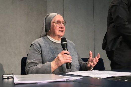 """Suster Eugenia Bonetti, seorang Misionaris Consolata dan Presiden Asosiasi """"Slaves no more"""" (Tidak ada lagi budak)"""