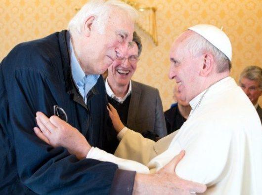 Jean Vanier dalam audiensi dengan Paus Fransiskus