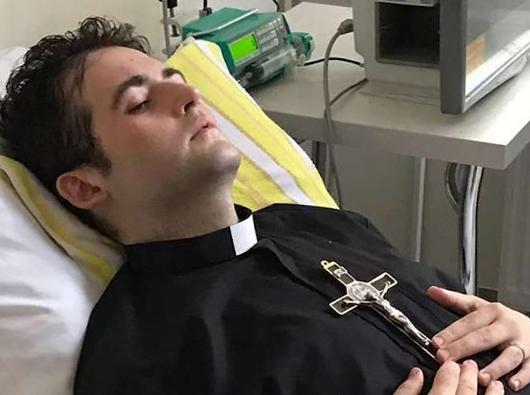 Michel Los, seorang imam mudayang menderita kanker di sebuah rumah sakit militer di Warsawa, Polandia. Kredit FotoL Para Imam Orione.