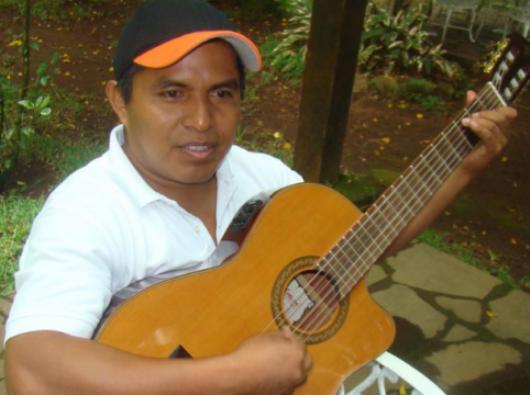 Pastor Cecilio Perez. Foto dari Web El Mundo