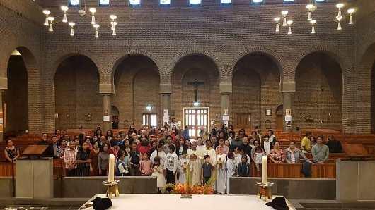 Mgr Agus selesai  Misa Hari Raya Tritunggal Mahakudus bersama umat Katolik asal Indonesia yang tergabung dalam KKI Den Haag. (Foto dari Insta Mr Agus)