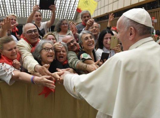 Paus bersama Pelayanan Pembaruan Karismatik Katolik (Vatican Media)