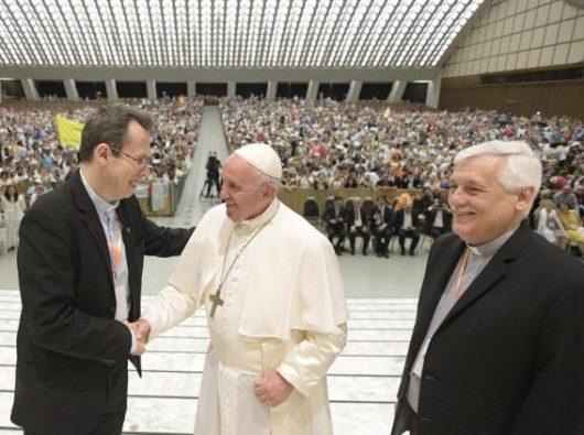 Paus Fransiskus dalam audiensi dengan Jaringan Doa Sedunia (Vatican Media)