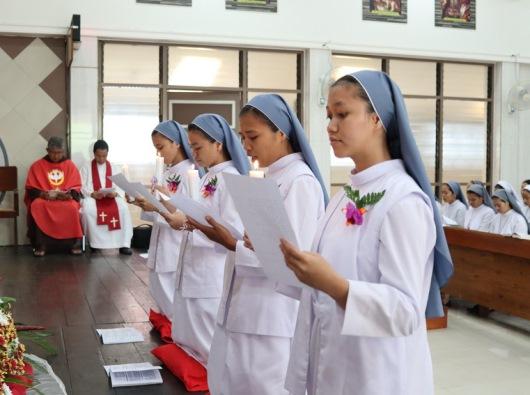 Pengikraran kaul perdana 4 Novis SFIC (PEN@ Katolik/sms