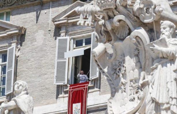 Paus saat Doa Angelus (ANSA)