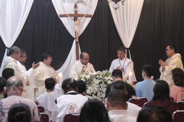 Misa Pesta Santo Dominikus, pendiri Ordo Pewarta, dipimpin seorang imam Fransiskan (PEN@ Katolik/sam)