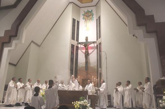 Suasana Misa Perdana (PEN@ Katolik/pcp)