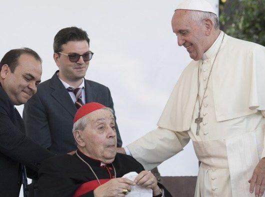 Paus Fransiskus menemui Kardinal asal  Achille Silvestrini dari Italia