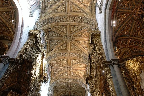 Gereja Santo Fransiskus Porto Portugal