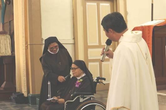 Percakapan Pastor Mayong dan Suster Skolastika dalam homili