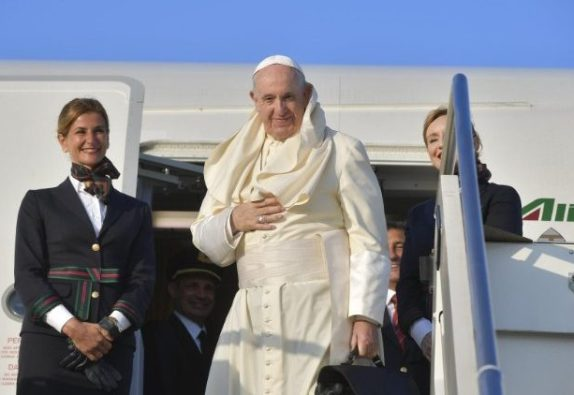 Paus Fransiskus berangkat melakukan  Perjalanan Apostolik ke-31 di luar negeri, yakni ke Mozambik, Madagaskar, dan Mauritius.