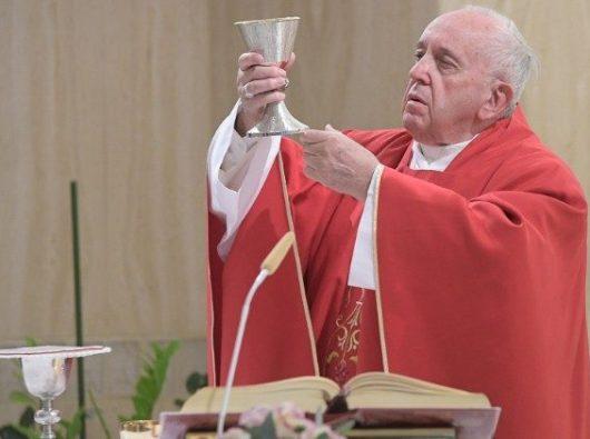 Paus Fransiskus merayakan Misa hari Senin, 16 September (Vatican Media)