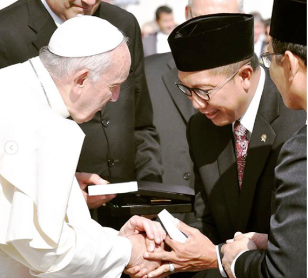 Instagram Paus Fransiskus