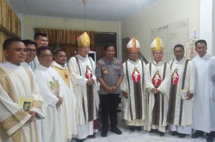 Kardinal di Manado 6