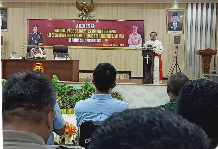 Kardinal di Manado 7