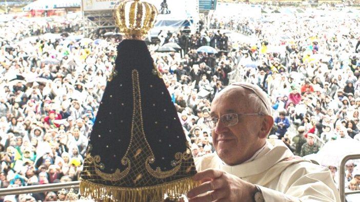 Paus Fransiskus dalam Kunjungan Apostolik ke Brazil tahun 2013