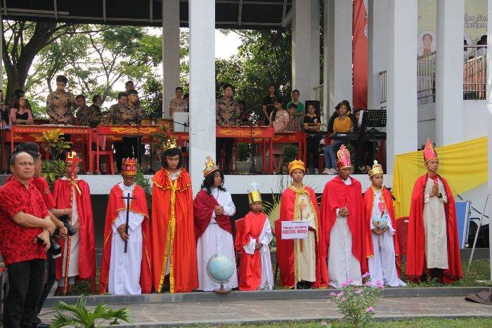 Yang tampil sebagai Kristus Raja di Kevikepan Tonsea (FB Keuskupan Manado)