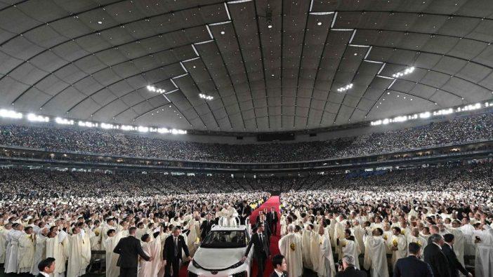 Suasana Stadion Dome Tokyo menjelang Misa bersama Paus Fransiskus (Vatican Media)