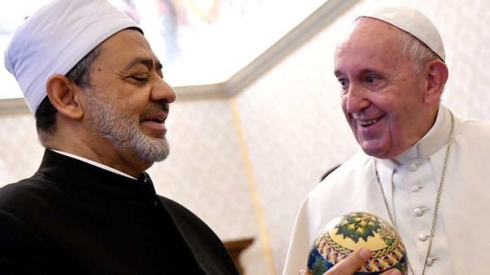 Paus Fransiskus dan Imam Besar Ahmed Al-Tayeb dari Al-Azhar dari Mesir (Vatican Media)
