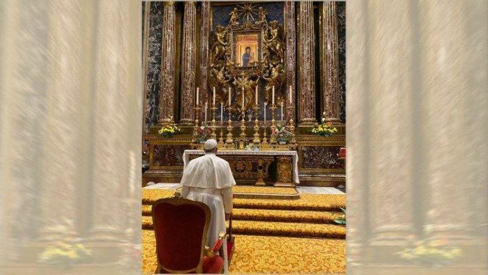 Paus mengunjungi Basilika Santa maria Maggiore Roma untuk bersyukur