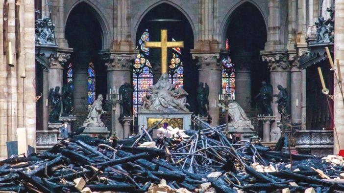 Reruntuhan Gereja Notre Dame Paris. Foto BBC
