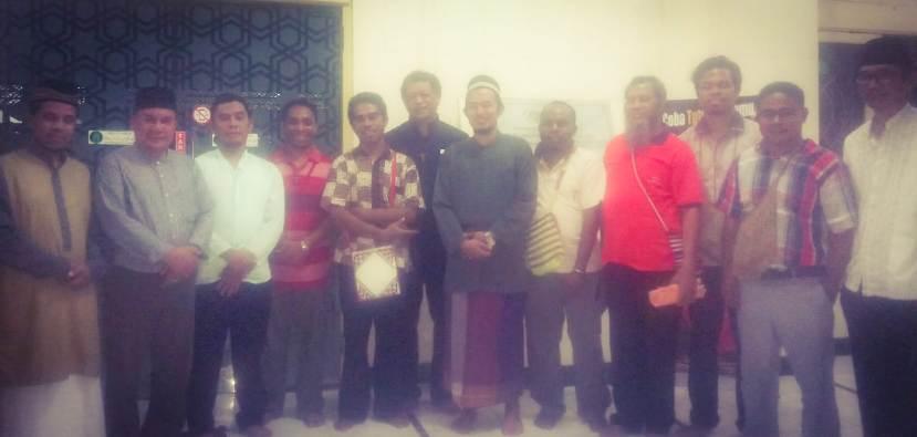Para saudara OFM bertemu saudara-saudara di masjid