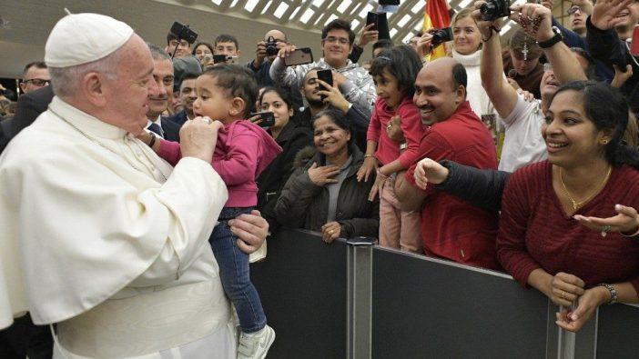Paus Kandang Natal 1