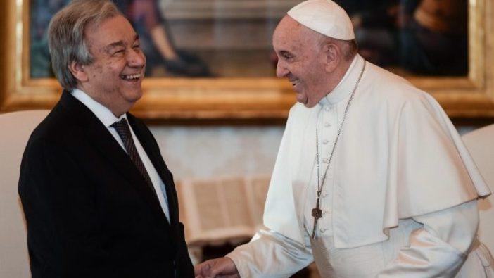 Paus Fransiskus dan Sekjen Antonio Guterres (Vatican Media)
