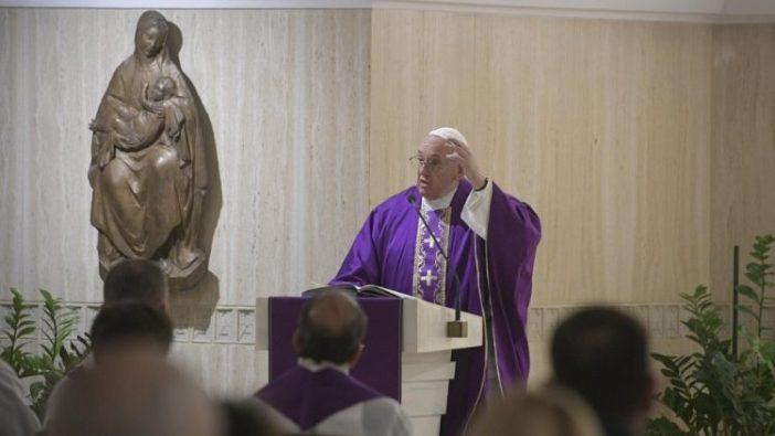 Paus memberi homili dalam Misa Kamis 5 Desember 2019 (Vatican Media)