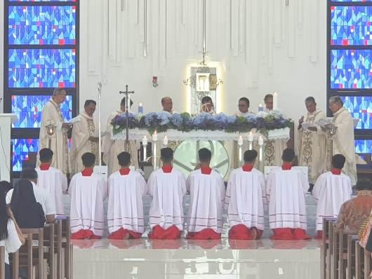 Santo Nikolas 4