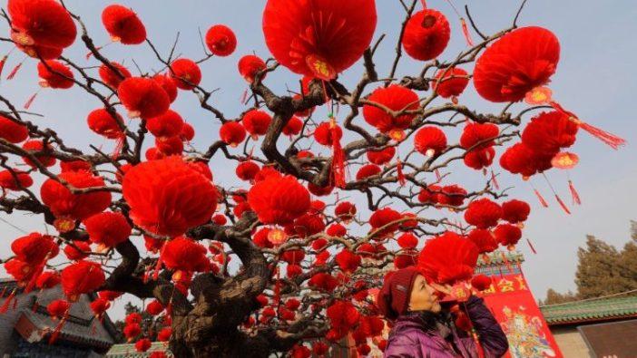 Dekorasi di Beijing, Cina, untuk tahun Baru Imlek mendatang  (ANSA)