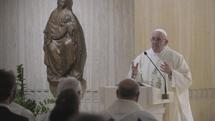 Paus Fransiskus memberikan homili dalam Misa di Casa Santa Marta 28 Januari 2020 (Vatican Media)
