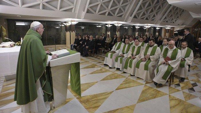 Paus Fransiskus memberikan homili dalam Misa Pagi di Casa Santa Marta 30 Januari 2020. (Vatican Media)