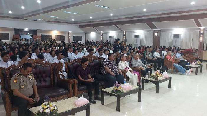 Penutupan dihadiri beberapa pejabat utama Polda dan Kapolres Bitung dan Uskup Emeritus Mgr Josef Suwatan. (PEN@ Katolik/af)