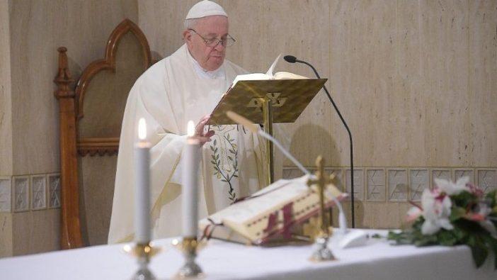 Paus Fransiskus dalam Misa di Casa Santa Marta 17 Januari 2020. Vatican Media