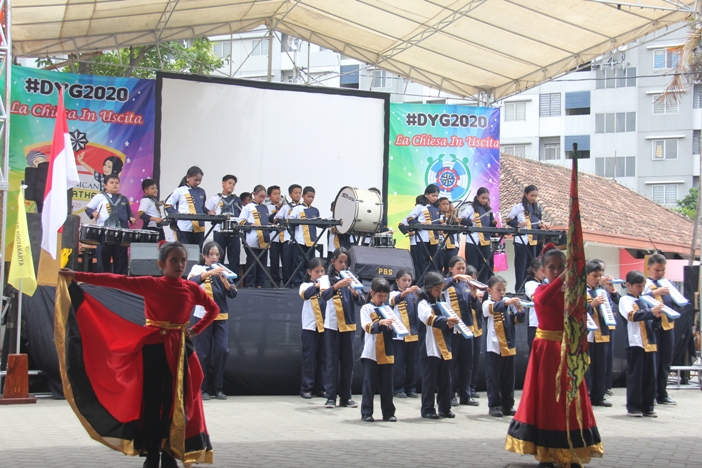 Marching Band SD Santa Maria dan Santo Yusuf menutup DYG 2020 (PEN@ Katolik/pcp)