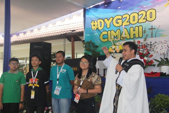 Pastor Bayu OP saat memberi homili (PEN@ Katolik/pcp)