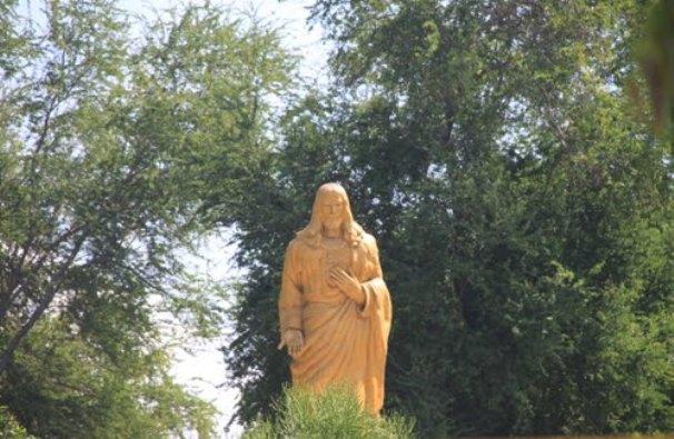 Patung Kristus Raja Maumere. Foto diambil dari blogspot Flobamorata NTT