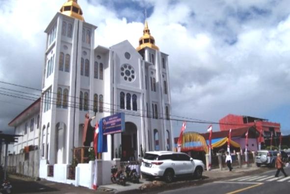 Gereja Stasi Santo Fransiskus Xaverius Maumbi di Minahasa Utara, Sulaweri Utara (PEN@ Katolik/af)