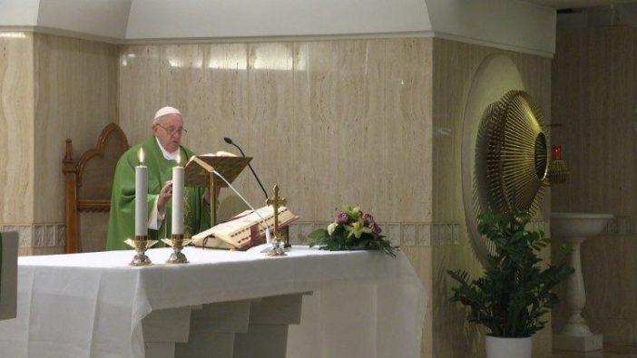 Paus memberikan Homili dalam Misa di Casa Santa Marta, 4 Februari 2020 (Vatican Media)