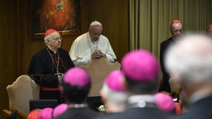 Paus Fransiskus dalam Sinode Para Uskup (Vatican Media)