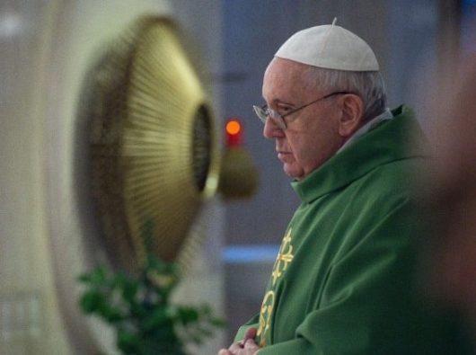 Paus Fransiskus rayakan Misa di Casa Santa Marta, 7 Februari 2020. (Vatican Media)