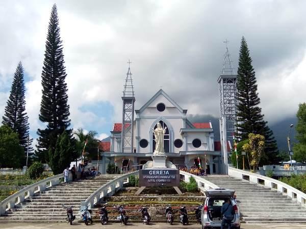 Katedral Ruteng tempat perayaan Tahbisan Uskup Mgr Siprianus Hormat Pr (PEN@ Katolik/pcp)