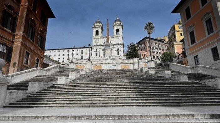 Gereja Trinità delle Montagne di Roma (AFP)