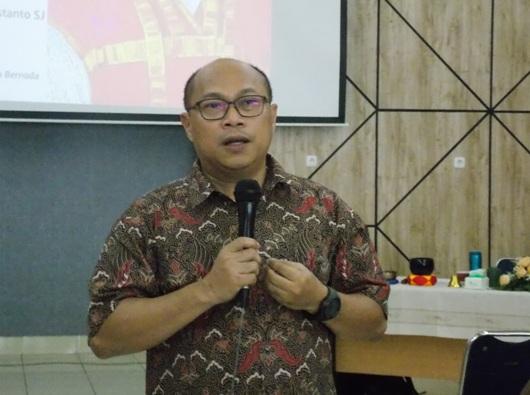 Pastor Benedictus Cahyo Christanto SJ (PEN@ Katolik/km)