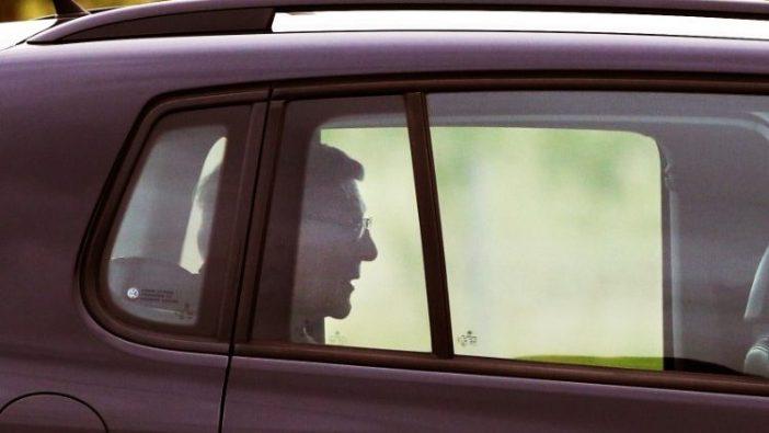 Kardinal George Pell meninggalkan penjara setelah hukumannya dibatalkan oleh Pengadilan Tinggi Australia (AAP IMAGE)
