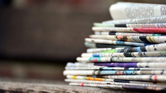 Setumpuk koran