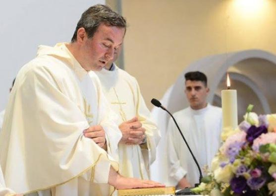 Pastor Arjan Dodaj