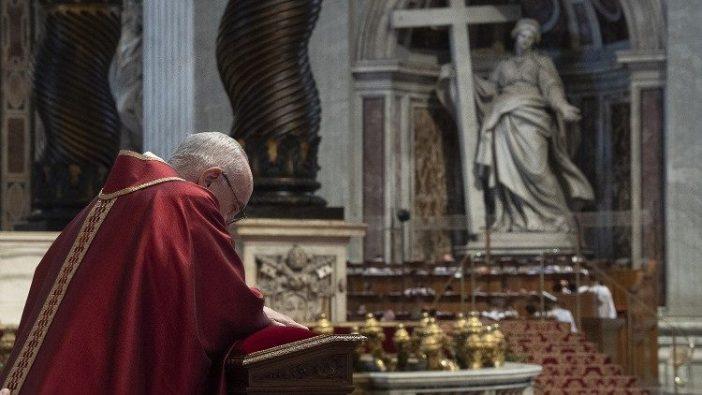 Paus Fransiskus dalam Perayaan Sengsara Tuhan 2019 (Vatican Media)