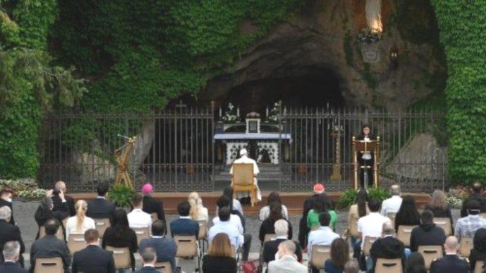 Doa Rosario bersama Paus 2